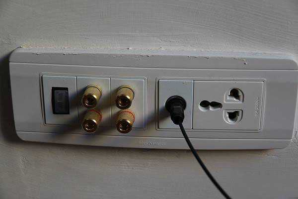 音响插座正确安装方法