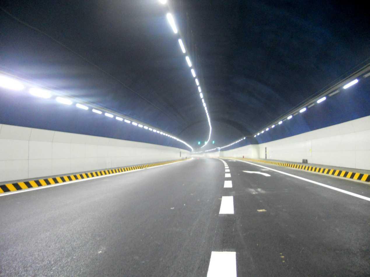隧道灯如何安装?4种常见隧道灯安装分享
