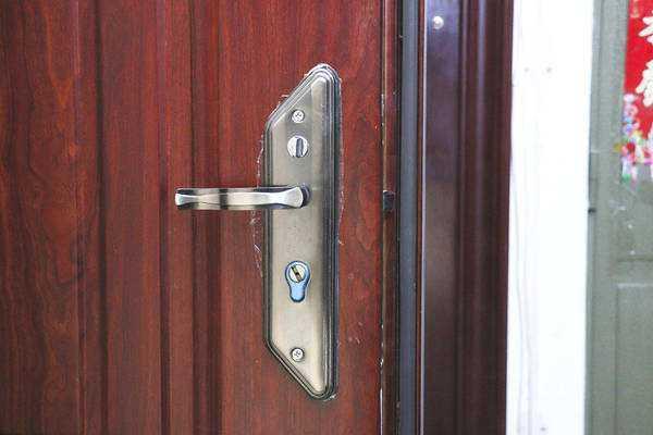 智能门锁安装流程,普通门锁安装流程