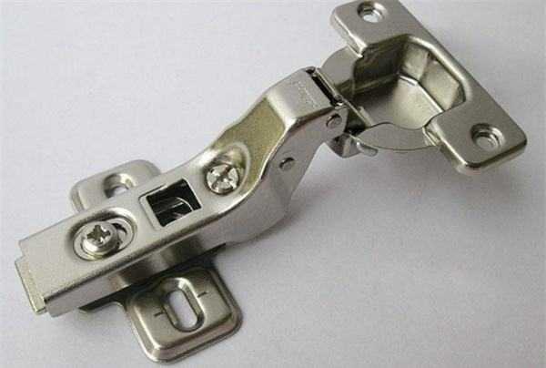 橱柜铰链安装步骤