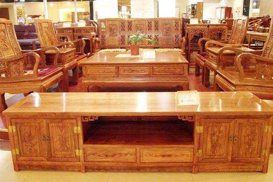 低调内涵复古风 实木家具安装方法