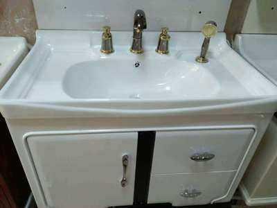 落地式浴室组合柜安装步骤