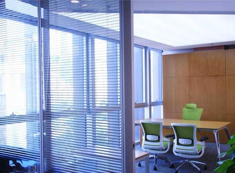 办公室安装什么窗帘好?