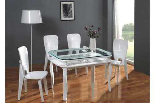 家里餐桌选什么材质的呢?实木桌,玻璃桌,大理石桌三大材质详解