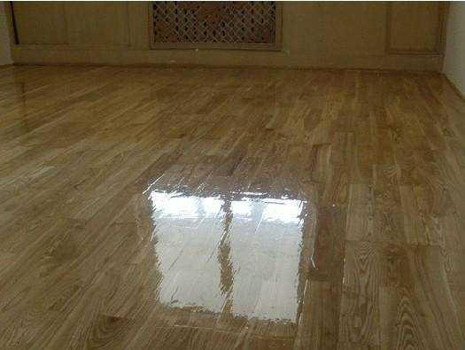 如何处理木地板浸泡水?