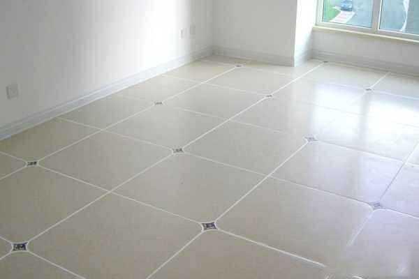 地砖上的划痕怎么办,修复地砖上的划痕步骤