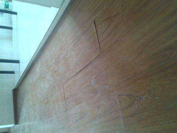 木地板受潮后的三个维修小妙招,快来看看吧!