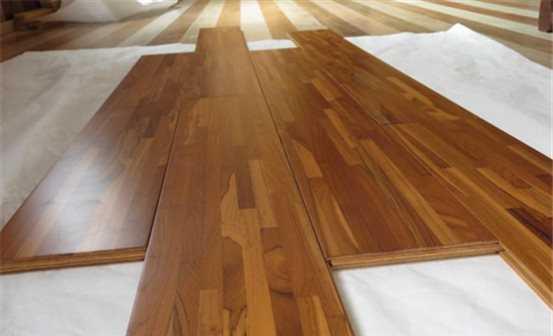 用实木地板就一定好吗?网友:看完它的优缺点我犹豫了