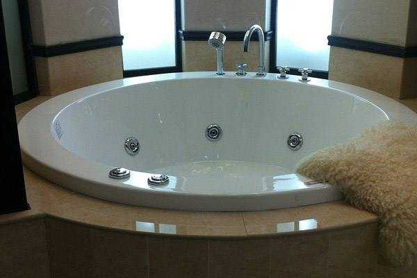 安装浴缸时应注意什么?安装洗手盆时应注意什么?