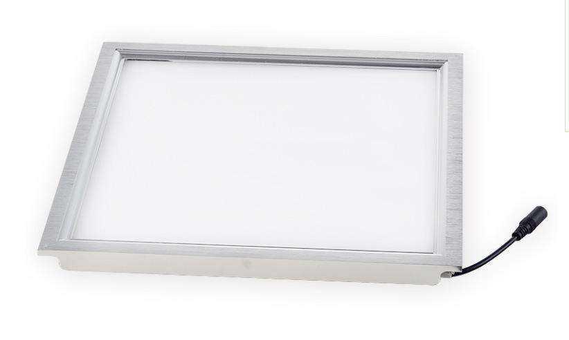 哪种LED灯适合安装在厨房和卫生间?