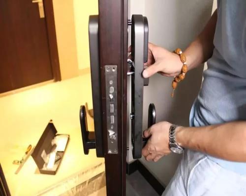 电子指纹锁安装