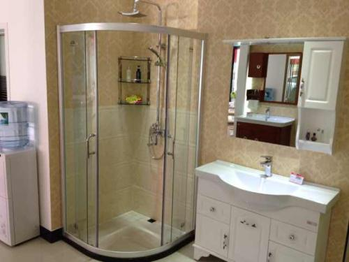 半圆淋浴房安装知识知多少?安装方法要记牢!