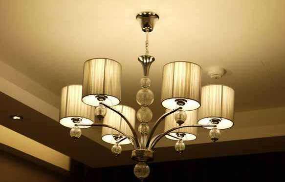 安装客厅灯具需要注意的事项