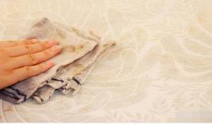 如何清洁壁纸和保养