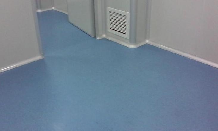 木地板安装|橡胶地板价格高的原因