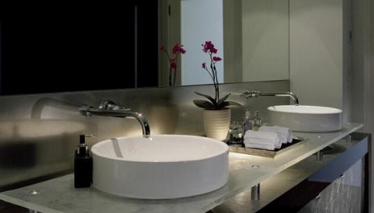 卫浴洁具|玻璃面盆选购方案