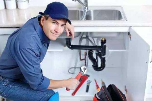 别小看了洗碗池管道的安装,它罢工了您的整个厨房都遭殃。