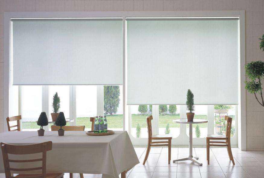如何才能安装出既好看又稳固的卷帘窗帘呢?