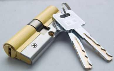 防盗门锁锁芯正确的更换方法,别说老师傅没提醒