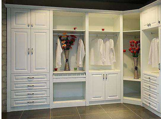 更适合房子结构的定制衣柜安装方法是什么?