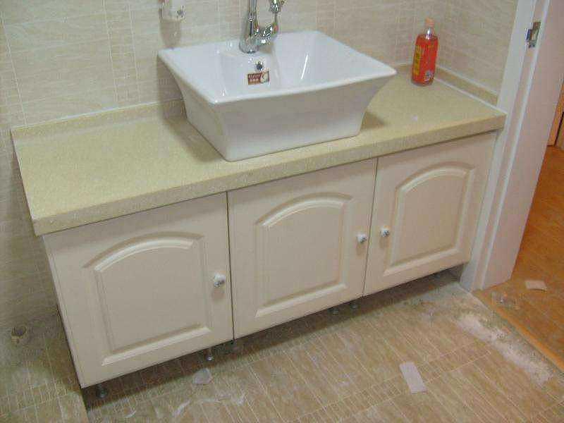 现代流行的浴室柜怎么安装比较好看?