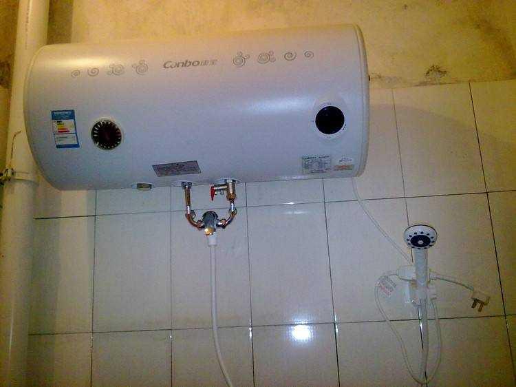 不知道电热水器的安装位置和高度?老师傅这样回答