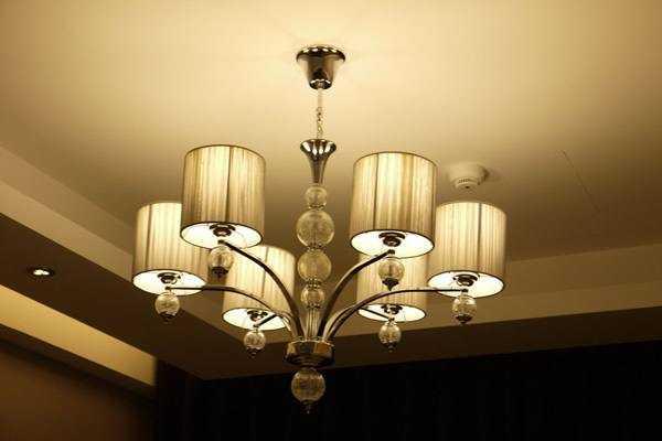 灯具安装您有了解过吗?其实安装很简单