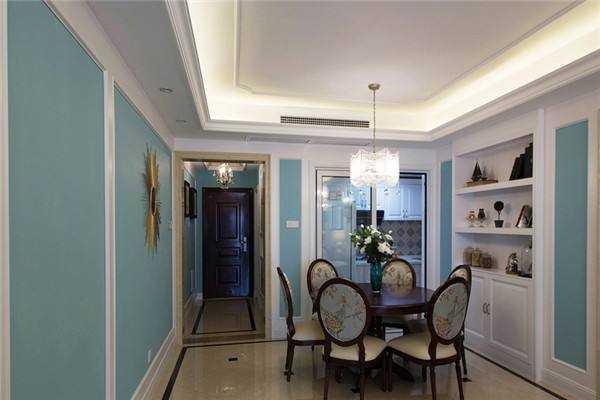 水晶吊灯安装,让您家的客厅瞬间多彩明亮。