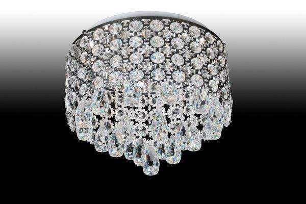 """在水晶灯安装这项工作里面,样样都要讲究,处处都是""""陷阱""""。"""